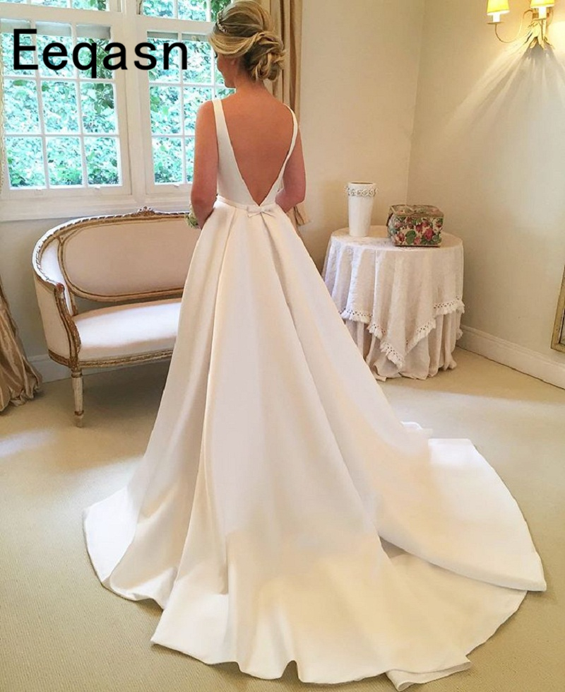 Elegant Long Beach Wedding Dress 2018 Sleeveless A Line Satin White Bridal  Gown Online Chinese Store robe de bal rouge-in Wedding Dresses from Weddings  ... 56deffd98e9e