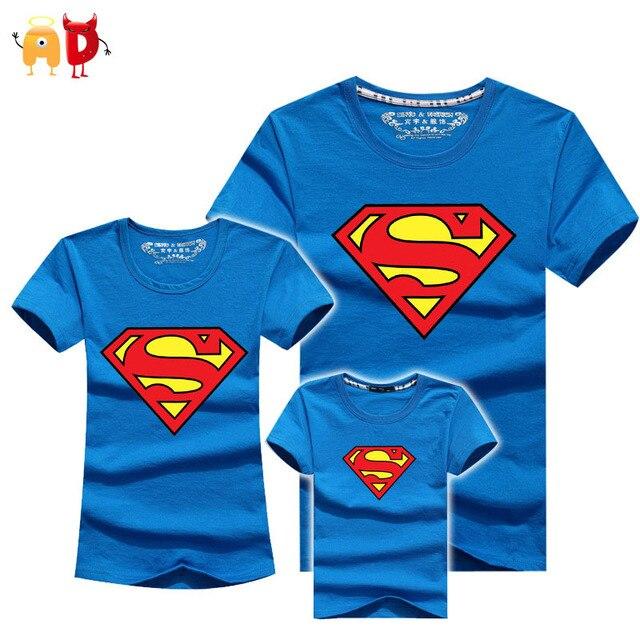 AD Супермен Семьи Соответствующие футболки Качество Хлопок Летом Стиль Отец и Сын мать и Дочь Одежда Мама и Я одежда