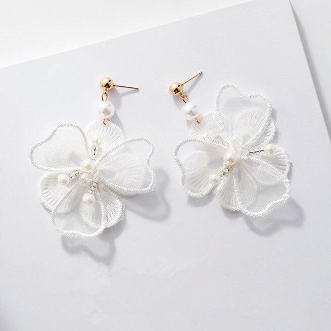 2017 Elegante Handgefertigten Vintage Ohrringe Weiß Stickerei Spitze Blumen Simulierte Perle Schmuck Temperament Ohrringe Für Frauen Produkte HeißEr Verkauf