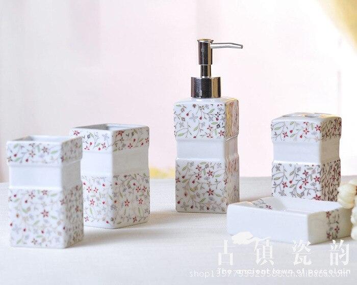Ensemble de salle de bain 5 pièces ensemble de lavage en céramique shukoubei porte-brosse à dents anniversaire marié