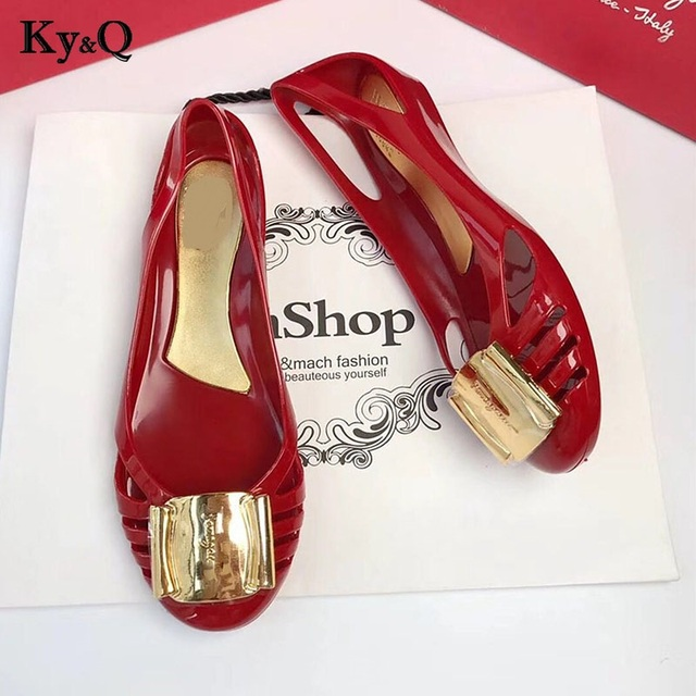 488ca416a907 2018 New Fashion Metal Jelly Shoes Slip On Women Summer Rould Toe Shallow Ladies  Sandals Female Party Outside Flat Shoes PVC