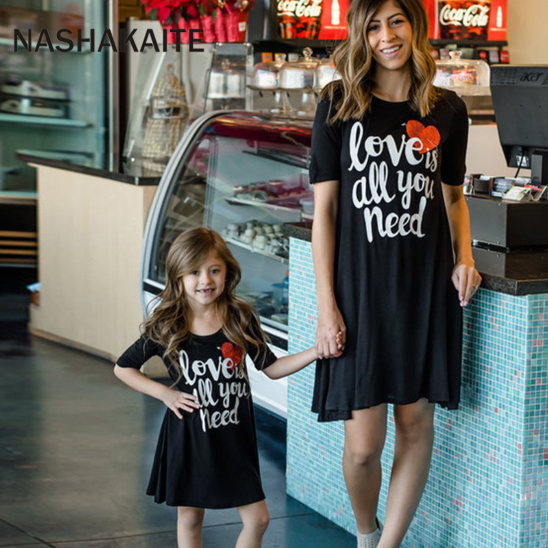 NASHAKAITE Mom and Daughter Dress Love Letter Print Mini Dress Family Matching Clothes Mother Daugher Dresses Family Look telle mère telle fille vetement