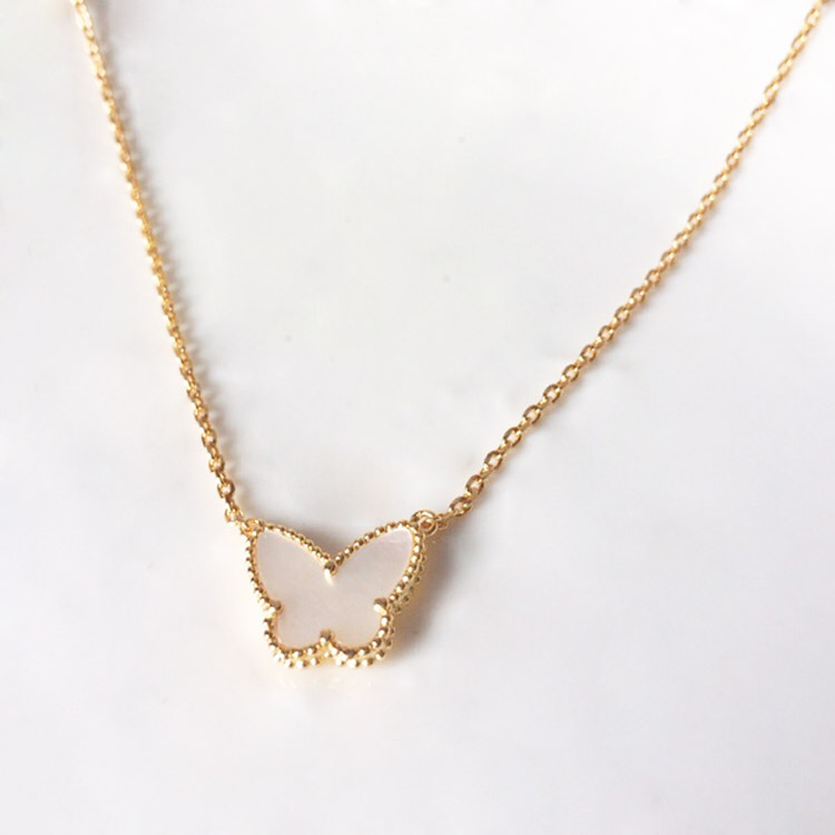 OL Cute Butterfly Necklace...