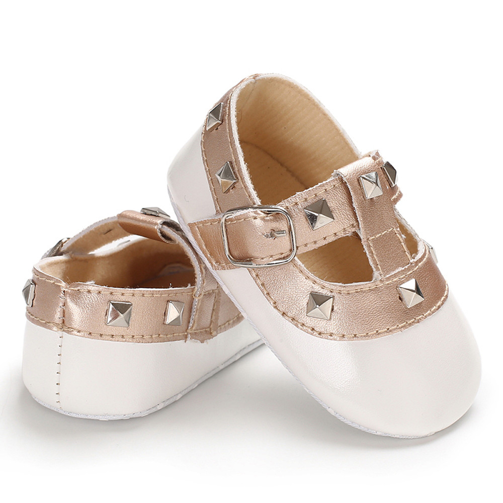 Baby Shoes 2018 Bright Leather Baby Moccasins Skid-proof Sole Baby Girl First Walkers Newborn Sapatos Spring Summer Baby Shoes Bebe Zapatos Mother & Kids