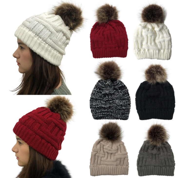 100pcs Winter Warmer Wool Fur  Cap Pompom Ball Solid Knitted Cotton Beanie Hat