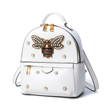 Лето 2017 г. модные женские туфли карман на молнии пчелы жемчужина заклепки Рюкзаки Рюкзак Красный Сумки дорожная сумка Бретели для нижнего белья могут быть удалены