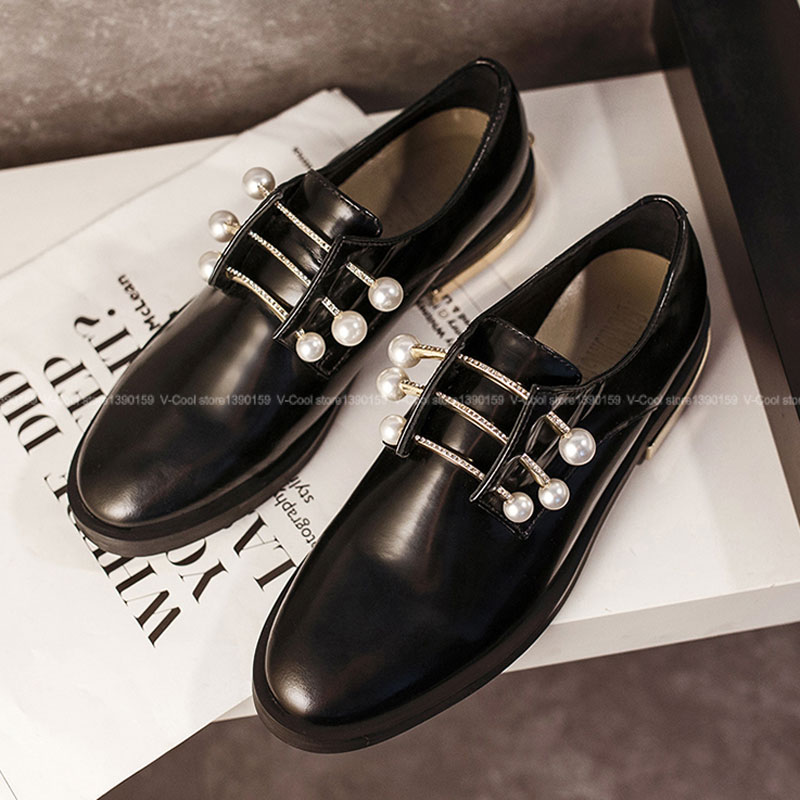 ФОТО Ladies Vintage brand Oxford Shoes With Charms 2017 Genuine Leather Fashion European Oxfords Shoes Autumn Famous Chaussure Femme