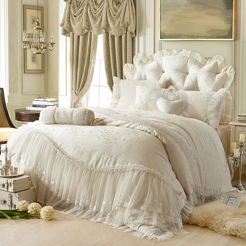 40princess Lace+cotton jacquard luxury wedding bedding sets queen king size beige/red 4/7pcs bedskirt+pillowcase+duvet cover set40princess Lace+cotton jacquard luxury wedding bedding sets queen king size beige/red 4/7pcs bedskirt+pillowcase+duvet cover set