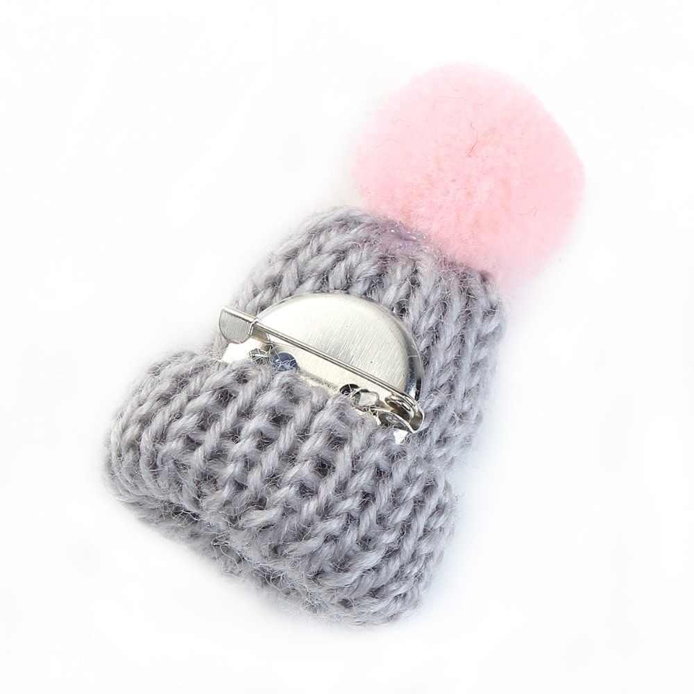 DoreenBeads wełny Pin broszki czapka z dzianiny szary W/różowy Pom Pom piłka odznaki 5.3 cm x 3.1 cm 1 PC