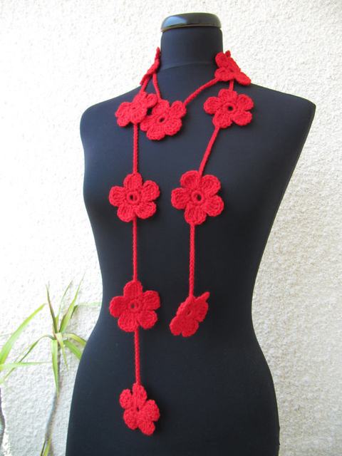 Free Shipping Handmade Crocheted Red Daisy Flower Necklace Scarf