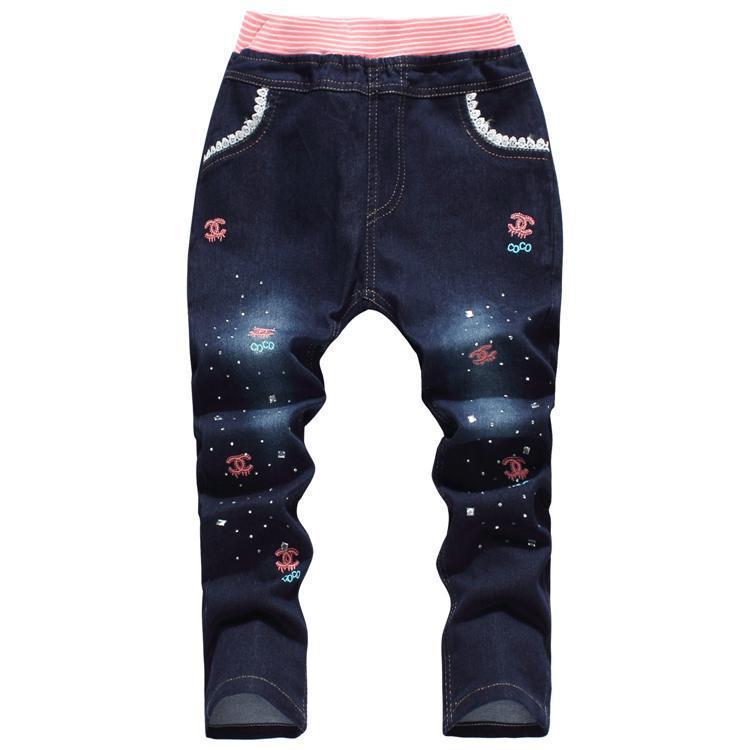 Crianças meninas calças jeans primavera verão padrão pouco menina crianças  calças calças do bebê roupas frete grátis 3e6ef5b29af3c