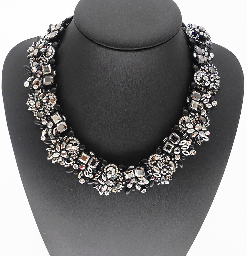 Black Crystal Rhinestone Statement Chokers Necklaces Women Large Collar Big Bib Necklace Female Vintage Maxi Necklace ZA Jewelry