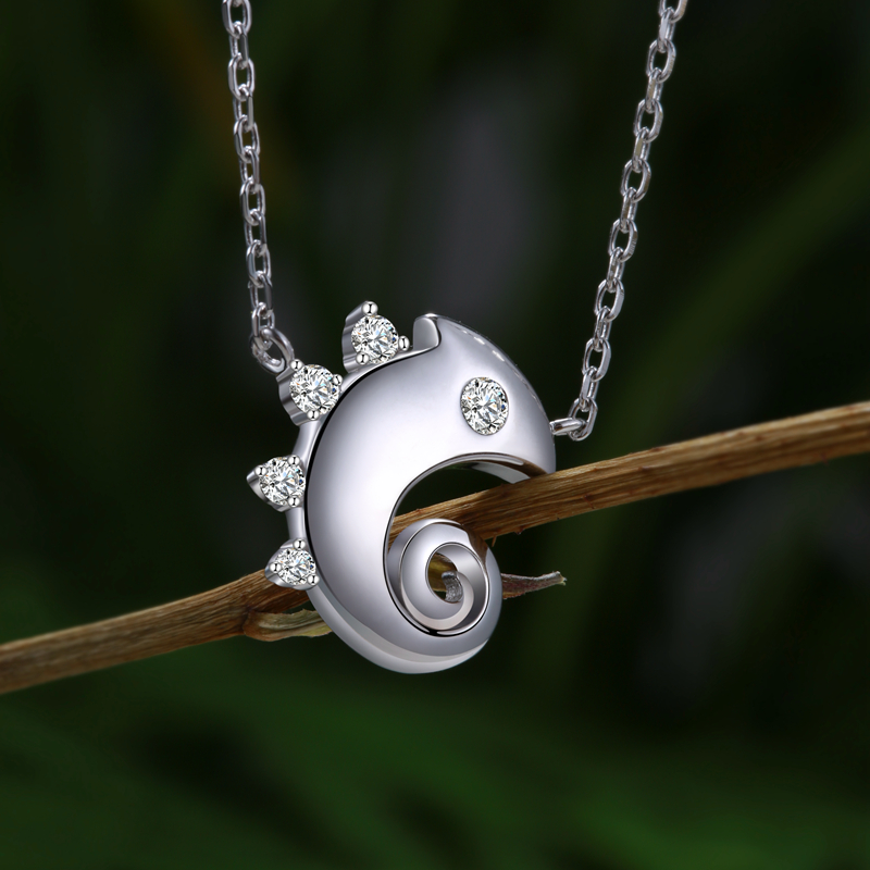 New Arrival 925 Sterling Silver Cute Animal Chameleon Pendant Necklaces For Women Fashion Sterling Silver Jewelry Free Shipping in Pendant Necklaces from Jewelry Accessories