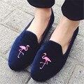 Симпатичные Фламинго Вышитые Женщин Бездельников Удобные Балетки Замши Случайные Плоские Туфли Женщина Скольжения На Мокасины Эспадрильи