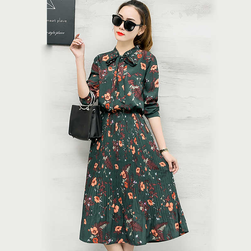 2018 New Spring Women Floral Print Pleated Chiffon Dresses boho Style Bowknot collar Retro black flower Dress