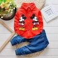 2016 nova Primavera outono Crianças mickey mouse Conjuntos de Roupas de bebê meninos roupas Criança Moda Cavalheiro camisa de manga longa t + calças de brim terno