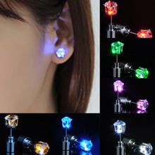 1PCS LED Earring Glowing Crystal Stainless Ear Drop Light Up Stud Christmas Party Luminous Neon Bar Rave Wedding Gift