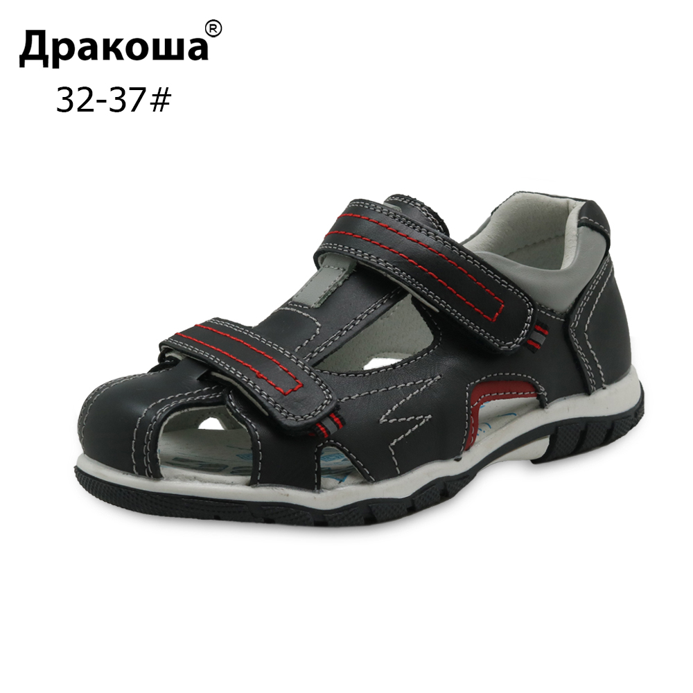 Apakowa Summer Leather Sports Sandals Closed Toe Flat Orthopedic Kids Shoes For Boys With Arch Support For Beach Walking Running