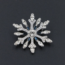 Snowflake Austrian Crystal Brooches Pins Stellux Rhinestone Scarves Clip Clothing Accessories Women Jewelry Christmas Gift