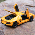 Hot Wheels 1:32 Scale Aventador LP 700-4 Supercars Diecast Vehicle / Cars for Boys