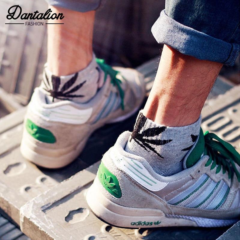 Short tube maple leaf   socks   hip hop   socks   men and women street skateboard boat   socks   hemp leaf sports tide   socks   -75
