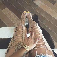 Alta calidad nude suede lace-up botas altas 2017 verano recortes gladiador sandalias botas sexy del dedo del pie abierto botas de tacón