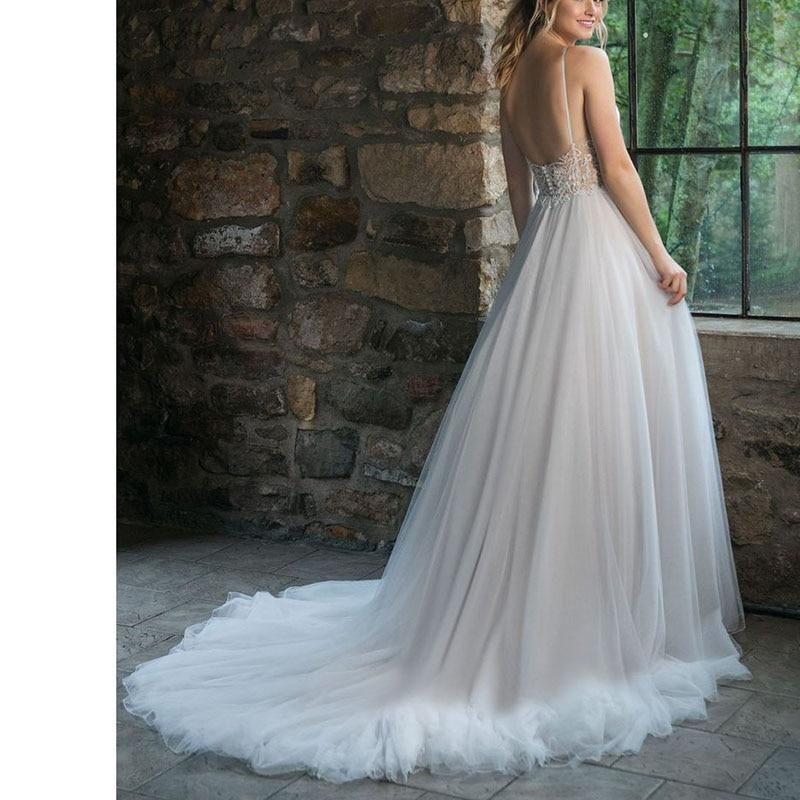 Boho A-line Wedding Gown Spaghetti Strap Tulle Long Backless White Beach Wedding Dress Appliques Lace Princess Bride Dress 2019