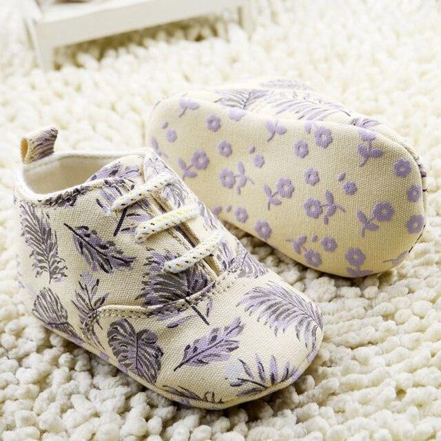 Zapatos de bebé, mocasines militry, mocasines beige casuel , zapatos tenis bebé primeros caminante.