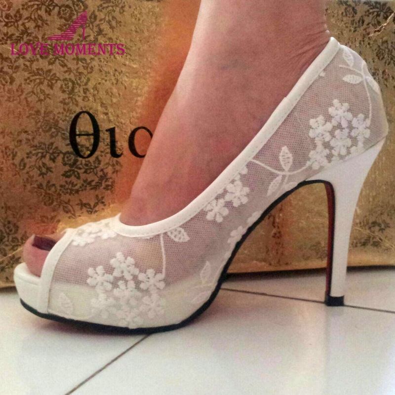Match Your Wedding Outfit New Luxury Handmade Beautiful White Lace Flower Wedding Bridal Shoes Peep Toe Kitten Heel Bride Shoes fashion white lady peep toe shoes for wedding graduation party prom shoes elegant high heel lace flower bridal wedding shoes