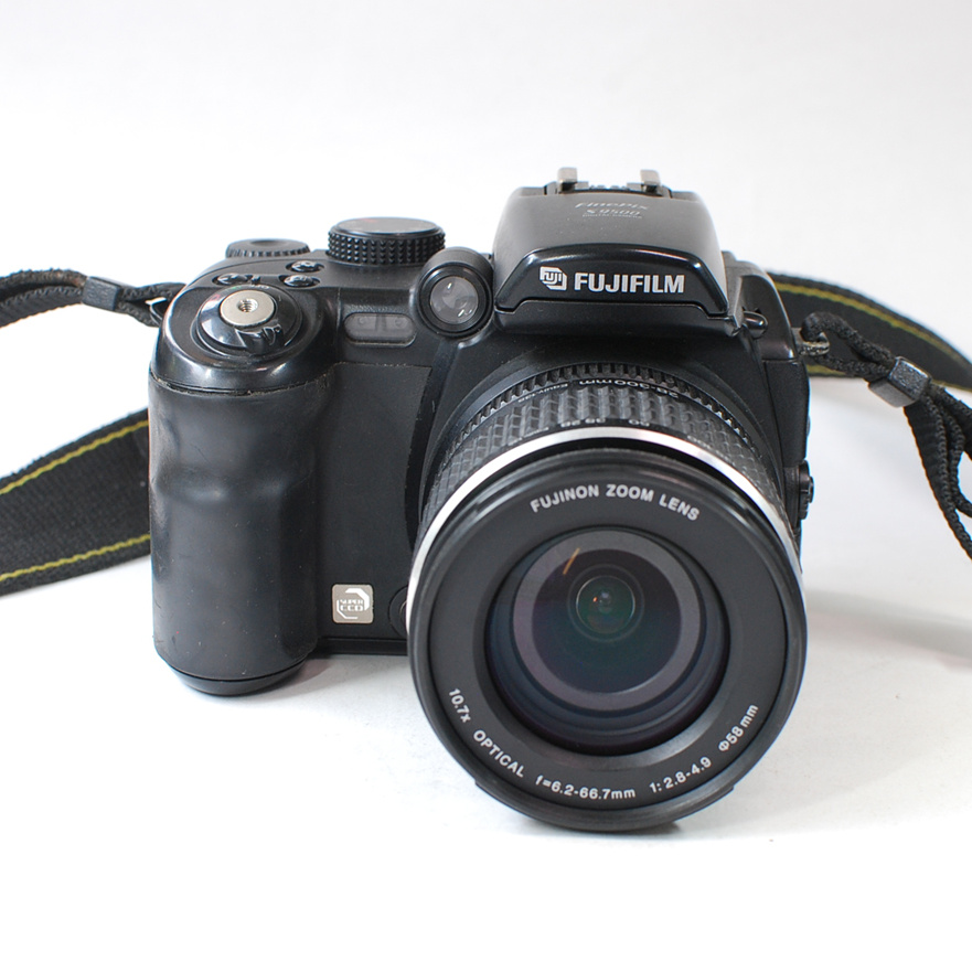 90% new (used) Fujifilm HD digital camera s9500 s9600 Compared with the DSLR camera 9 million effective pixels  optical zoom(China)