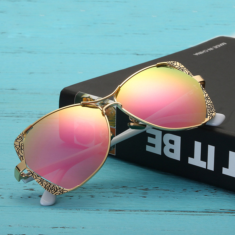 08be8bfdfcf 2018 Star Style HD Polarized Women Luxury Sunglasses Brand Designer latest  female UV400 ladies Sun Glasses with box-in Sunglasses from Apparel  Accessories ...