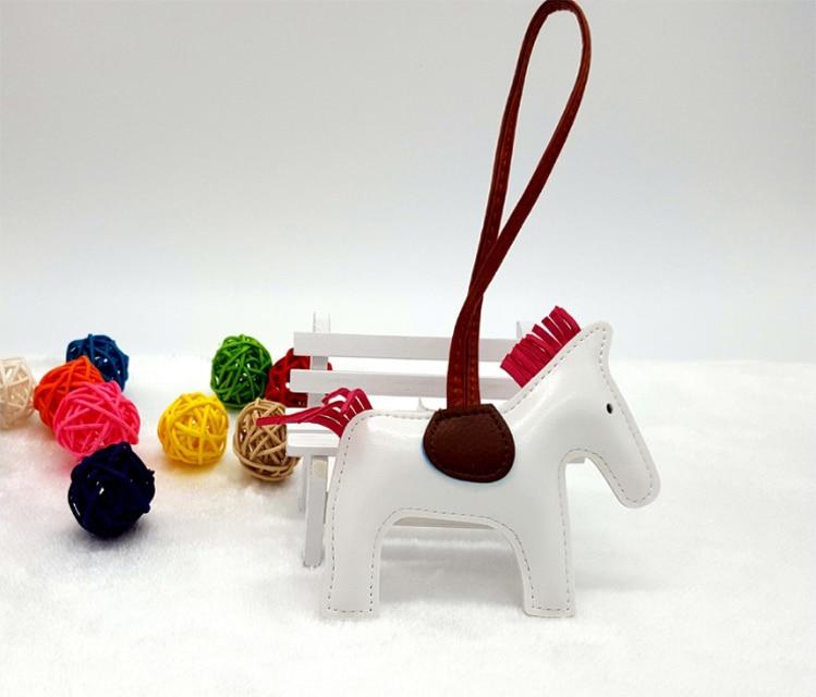 100 stks/partij PU Leer Paard Sleutelhanger Handwerk Kwastje Paard Sleutelhanger Tassen Opknoping Drop-in Sleutelhangers van Sieraden & accessoires op  Groep 2