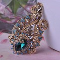 Blucome Green Flower Vintage Brooch Corsage Antique Gold Plated Brooches For Women Dress Hairpins Jewelry Broches Mujer Pin Up