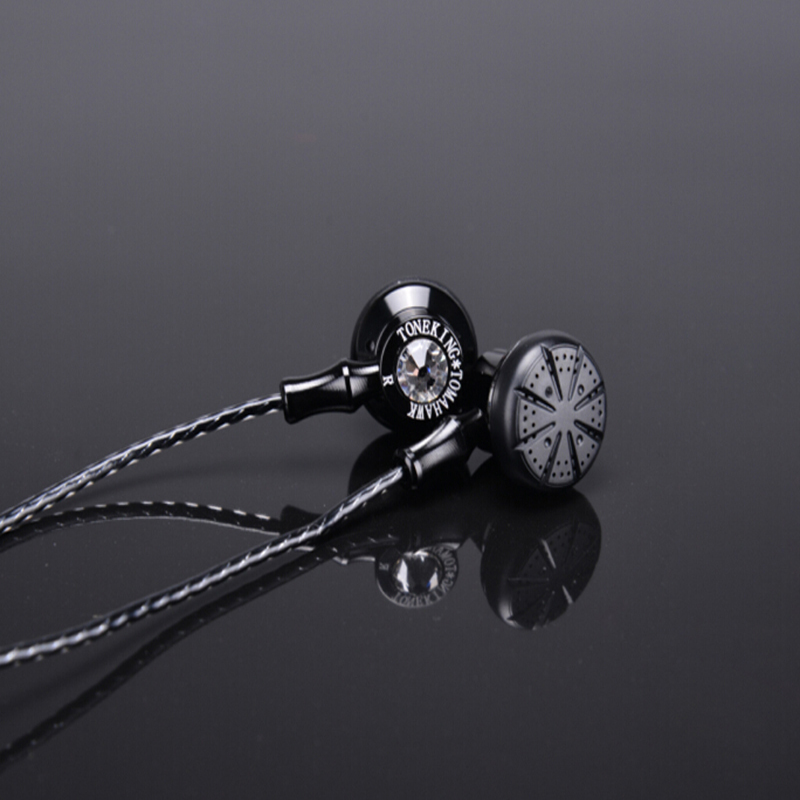 Original TONEKING TOMAHAWK in ear earphone super bass HiFi headset 3.5mm earbuds for iphone for samsung for xiaomi mobile phone original xiaomi xiomi mi hybrid earphone 1more design in ear multi unit piston headset hifi for smart mobile phone fon de ouvido