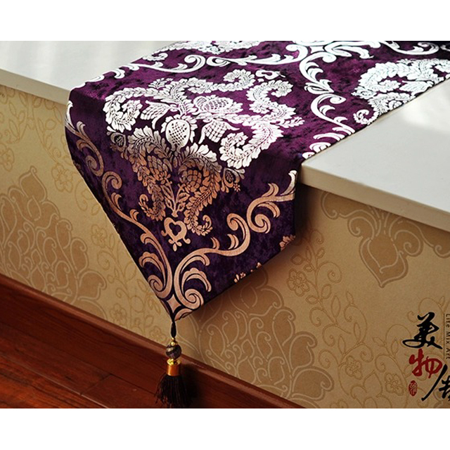 Gratis frakt Handcraft Europe Style Table Runner Hot Silver Heminredning Bordsduk Broderi Cloth Hotel Villa Wedding