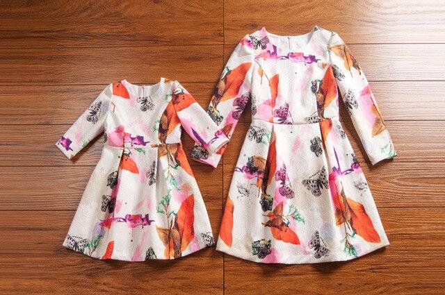 2016 Новый стиль матери-дочери семья платья посмотрите весна и осень мультипликационный персонаж отпечатано одежда свободного покроя танк платье