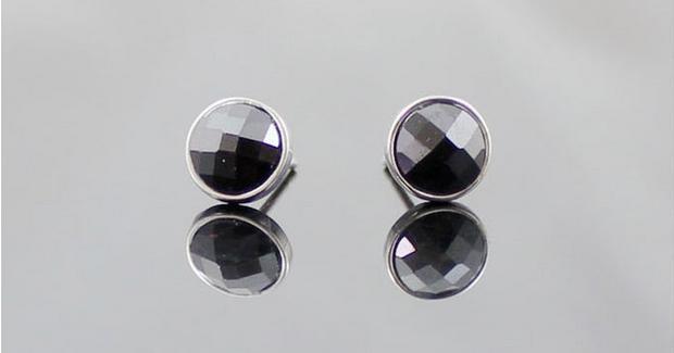 Fashion man earring black crystal 925 sterling silver men s stud earrings jewelry wholesale drop shipping anti allergy cheap in Stud Earrings from Jewelry Accessories