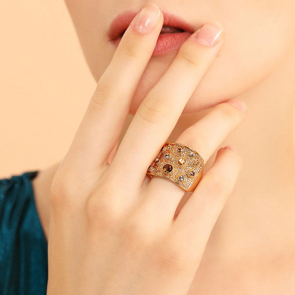 Viennois רחב זהב צבע אצבע טבעות לנשים Multicoloured Rhinestones סלול קוקטייל טבעת גודל 6 7 8 9 לנקבה