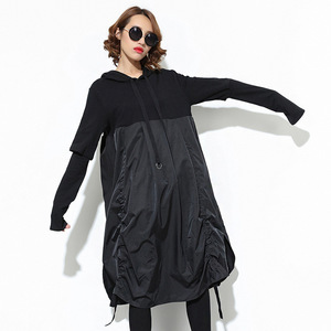 Image 3 - [EAM] 2020 nueva Sudadera con capucha de Primavera de manga larga con cordón negro Fold Split Joint Loose Long Dress Women Fashion Tide JD07601