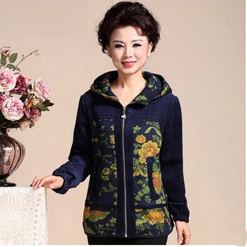2017 brand high-quality autumn winter Middle Aged Womens Hooded Jackets Ladies Warm Soft Velevt Coats Mother Overcoats Plus Size