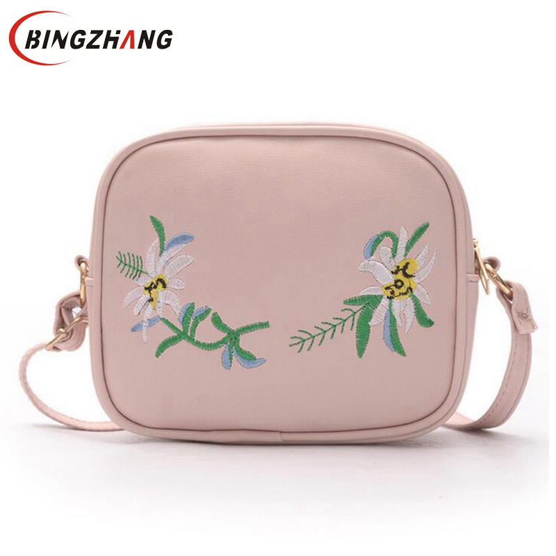 2018 Summer Embroidery Pu Leather Women Messenger Bags Small Women Bag Female Shoulder Crossbody Bag Floral Flap L4-2979