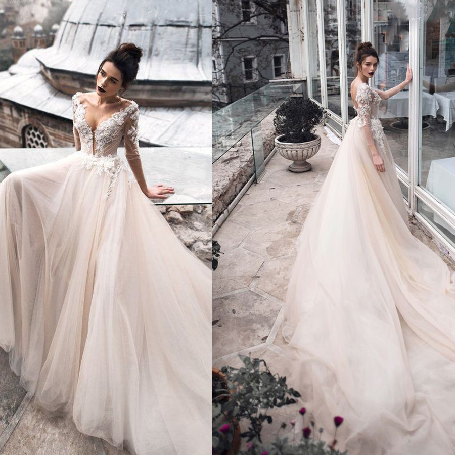 Tulle Scoop Neckline  Three Quarter Sleeves Wedding Dress With Lace Applique Backless A-line Court Train Bridal Dress