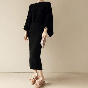 Image 4 - Conjunto de 2 piezas de punto para mujer, Tops holgados de manga de murciélago + falda ajustada, trajes de Jersey para mujer 2020