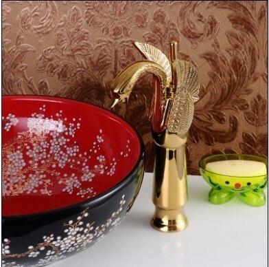 Livraison gratuite! haute qualité couleur or cygne style animal brone bassin robinet mitigeur. salle de bains évier robinet (gratuit 2 tuyau)
