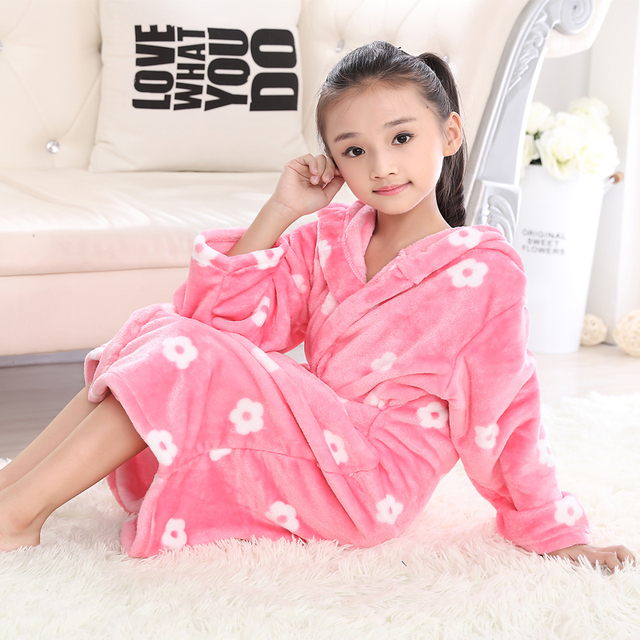 Autumn Winter Kids Robes Flannel Teenage Bathgrowns Bathrobes Warm Silk  Flower Girl Robes Children Pajamas Baby Soft Sleepwear 134333f01