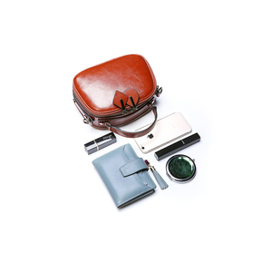 Image 5 - נשים כתף תיק אמיתי עור פרה עור מעגל עגול תיק חג המולד שקיות מתנה עבור בנות צלב גוף מיני טלפון סלולרי חבילה