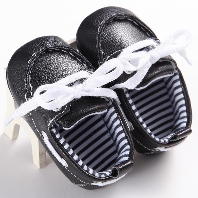 2017 Nova Lace-up Mocassim Bebê Bebês Recém-nascidos unisex crianças Sapatos Fundo Macio PU couro Botas Prewalkers Primeiros Walkers 11-13 cm