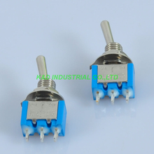цена на 20pcs Blue Electric Guitar Pickup Toggle Switch DPDT ON OFF ON Solder 3Pin 6A