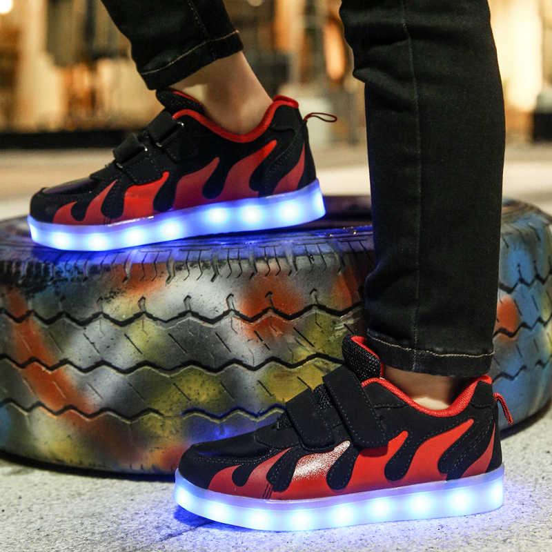 เด็กใหม่รองเท้าส่องสว่างเด็กชายหญิงกีฬารองเท้าวิ่งรองเท้าเด็กกระพริบไฟแฟชั่นรองเท้าผ้าใบเด็กวัยหัดเดินเด็กเล็กรองเท้าผ้าใบ LED