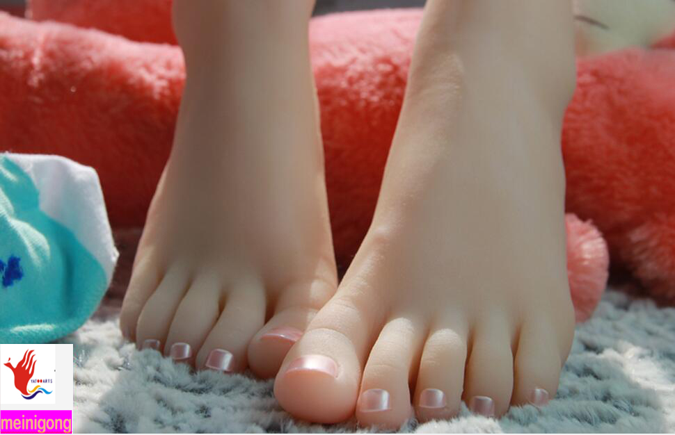 Top Quality New Sex Products,Soft Feet Fetish Toys for Man,Young Girl Lifelike Female Feet,Fake Feet Model for Sock Show new top quality foot fetish toys solid silicone feet model sex toy adult toys for man lifelike skin ballet girl fake feet